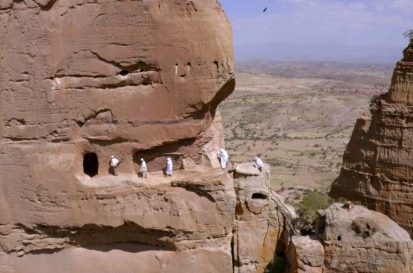 Bild 1 von 5: Die Felsenkirche Abuna Yemata Guh, hoch oben in einem Sandsteinturm in der nordäthiopischen Region Tigray, ist wahrscheinlich der am schwersten zugängliche Ort der Anbetung in der Welt.