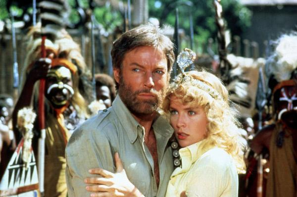 Bild 1 von 5: Der Abenteurer Allan Quatermain (Richard Chamberlain) wird von Jessie Huston (Sharon Stone) gebeten, nach ihrem Vater zu suchen.