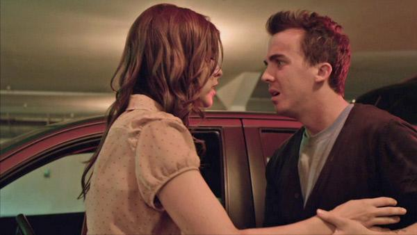 Bild 1 von 4: Nelson (Frankie Muniz) und Olive (Maggie Castle).