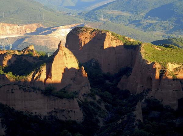 Bild 1 von 3: Las Medulas, Spanien: ehemalige Goldmine der Römer.
