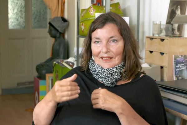 Bild 1 von 4: Nina de Vries - die Pionierin der Sexualassistenz.