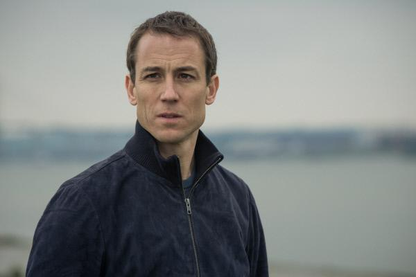 Bild 1 von 7: Als Bennettos Rechtsanwalt ist Greg Walker (Tobias Menzies) in den aktuellen Fall involviert. Sein Mandant gilt als einer der Hauptverdächtigen.