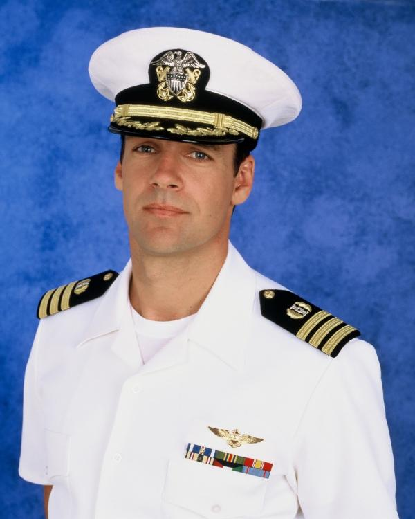 Bild 1 von 6: Harmon Rabb, Jr. (David James Elliott)