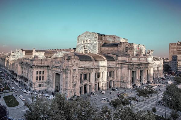 Bild 1 von 4: Milano Centrale, der Mailänder Hauptbahnhof, ist einer der größten und schönsten Kopfbahnhöfe Europas.