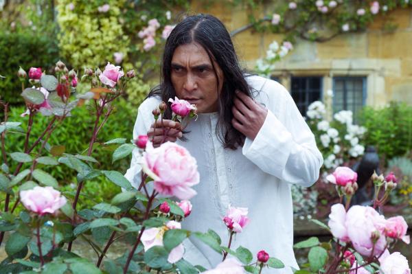 Bild 1 von 5: Umesh Varma (Ramon Tikaram) gerät unter Verdacht.