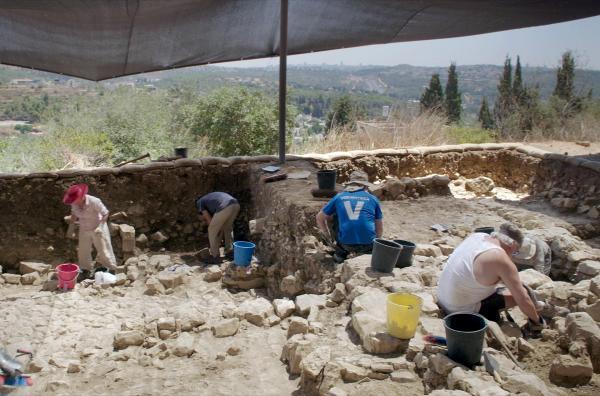 Bild 1 von 6: Eine Ausgrabungsstätte nur wenige Kilometer von Jerusalem entfernt könnte neue Antworten auf Fragen bezüglich der Bibel und der Bundeslade liefern.