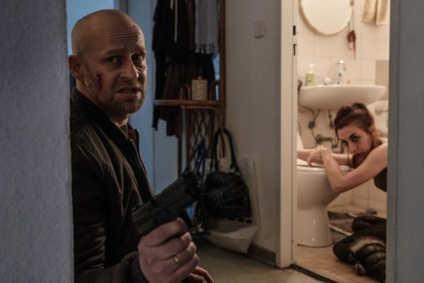 Bild 1 von 8: Blochin (Jürgen Vogel) kämpft um Conchitas (Carol Schuler) Leben.