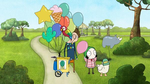 Bild 1 von 4: Duck hat sich einen Flusspferd-Ballon ausgesucht, während Sarah ein pinker Ballon ins Auge fällt.
