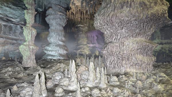 Bild 1 von 2: Fast 500 Meter unter der Erdoberfläche liegt die tiefste bekannte Kalksteinhöhle der Welt, die Carlsbad-Höhle im US-Bundesstaat New Mexico. (Animation)