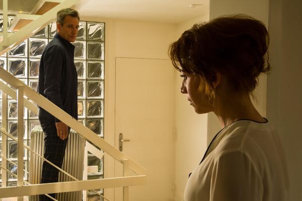 Bild 1 von 7: Marius (René Steinke) ist enttäuscht von Kirsten (Annika Ernst). Er will sie verlassen.
