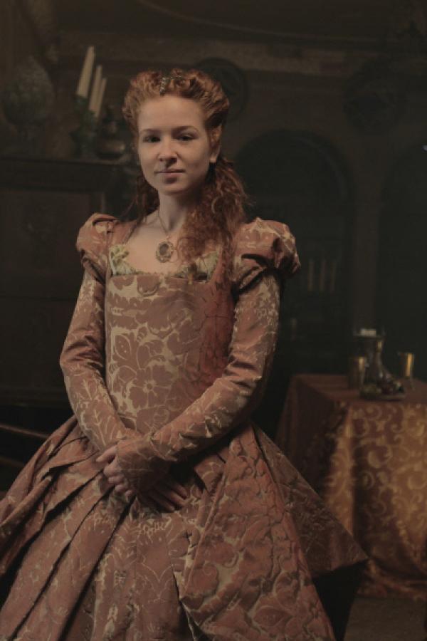 Bild 1 von 9: Dianora (Sarah Hannemann) ist die Cousine der Medici-Geschwister. Auch sie wird in den Strudel der Ereignisse hineingezogen.