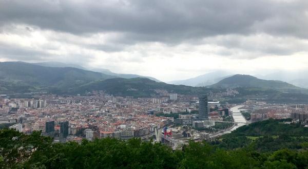 Bild 1 von 5: Blick auf Bilbao vom Berg \