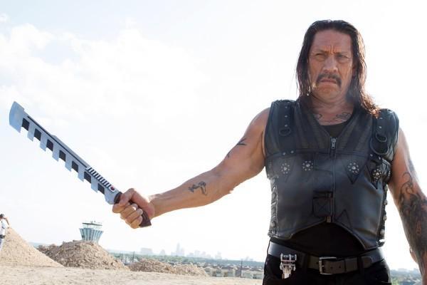 Bild 1 von 7: Machete (Danny Trejo) bekommt den Auftrag, den Kartellboss Mendez aufzuspüren und ihn daran zu hindern, einen Raketenangriff auf die USA auszuüben.