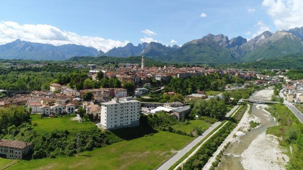 Bild 1 von 7: Belluno. Die Provinzhauptstadt des CADORE, dem nördlichen Teil der Region Venetien.