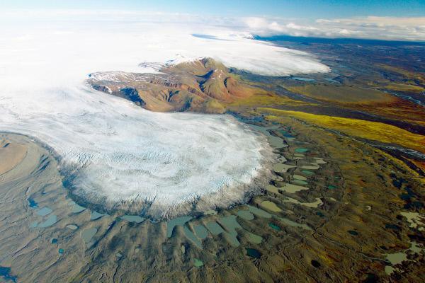 Bild 1 von 4: Auch auf Island schmelzen die Gletscher ab.
