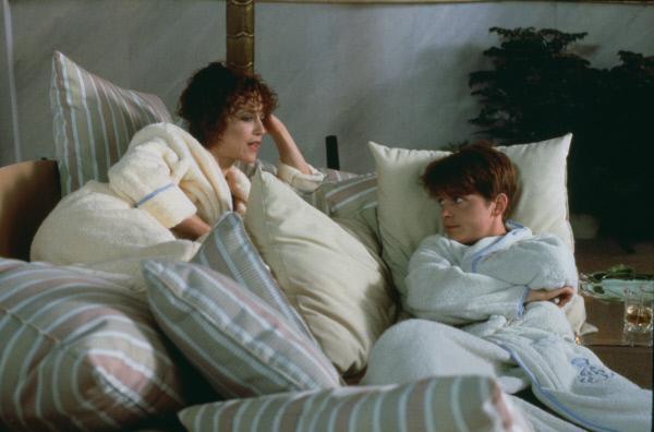 Bild 1 von 7: Tante Vera (Margaret Whitton) und Neffe Brantley (Michael J. Fox) verstehen sich gut. Vera ist von ihrer Ehe frustriert und sucht Abwechslung bei dem \