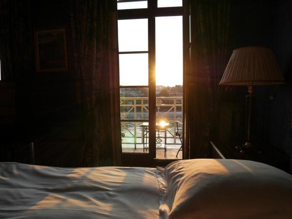 Bild 1 von 8: In den Zimmern auf der Rheinseite kann man den Sonnenaufgang erleben.