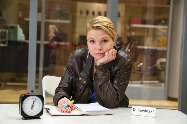 Bild 1 von 17: (5. Staffel) - Neue diffizile Fälle warten auf Danni Lowinski (Annette Frier) ...