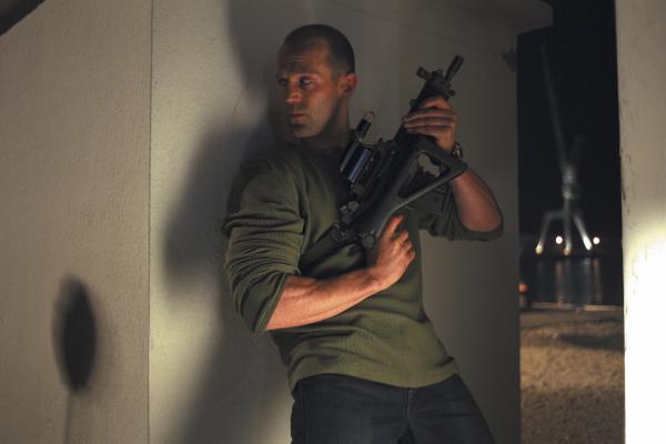 Bild 1 von 8: Mit seiner menschlichen Fracht an Bord handelt sich Frank (Jason Statham) kräftig Ärger ein. Sowohl mit der Polizei, als auch mit einem Menschenhändlerring ...