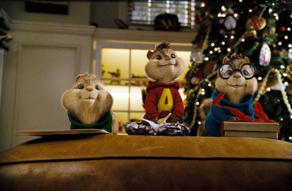 Bild 1 von 10: Simon, Alvin und Theodore können es kaum erwarten, Dave ihr Geschenk zu überreichen.