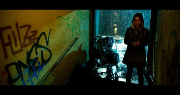 Bild 1 von 15: Taxifahrerin Özge (Violetta Schurawlow) wird Zeugin eines brutalen Ritualmordes. Da der Täter auch sie gesehen hat, soll sie das nächste Opfer des Killers werden.