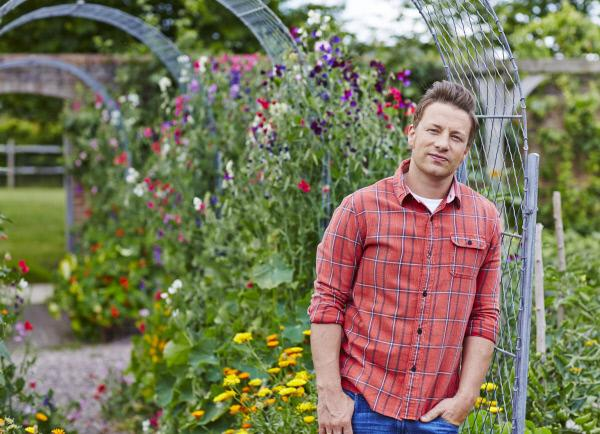 Bild 1 von 14: (1. Staffel) - Jamie Oliver geht in eine neue Richtung: Essen, das gl?cklich macht ...