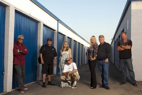 Bild 1 von 1: Left to Right: Barry, David, Brandi, Jarrod, Laura, Dan and Darrell.