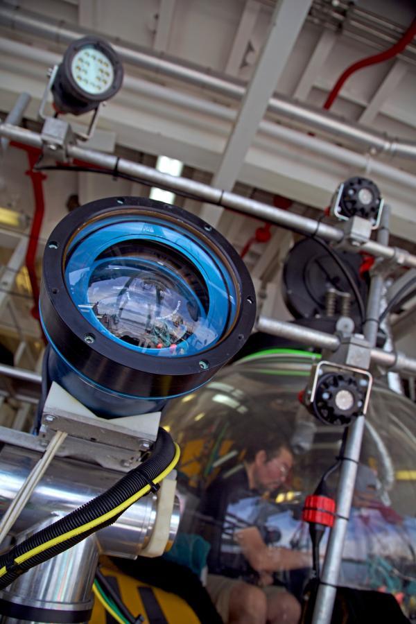 Bild 1 von 1: Eigens entwickelte Kamerasysteme gehören zur Ausstattung des Tauchbootes \