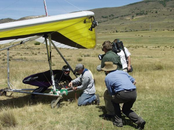 Bild 1 von 1: Ein ganzes Team ist nötig, um Judys Flüge zu dokumentieren und ihre Sicherheit zu gewährleisten.