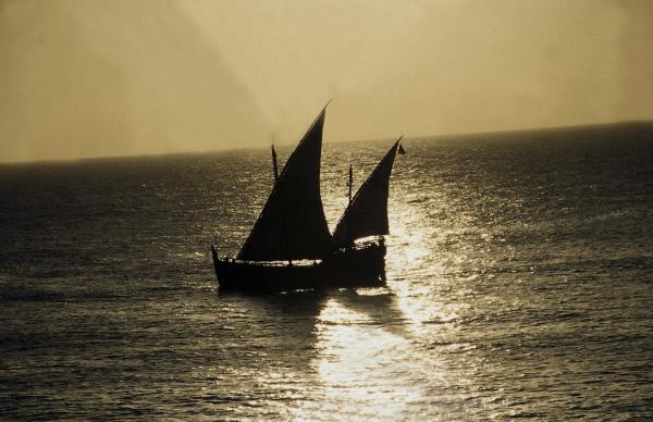 Bild 1 von 1: Eine Karavelle, Nachbau eines Schiffes aus der Zeit Vasco da Gamas.
