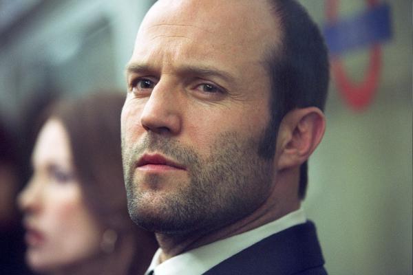 Bild 1 von 7: Autoverkäufer Terry (Jason Statham) hat immer die Finger von Kriminalität gelassen. Plötzlich taucht eine bildschöne Freundin aus Jugendtagen unvermittelt bei ihm auf und unterbreitet ein verlockendes Angebot...
