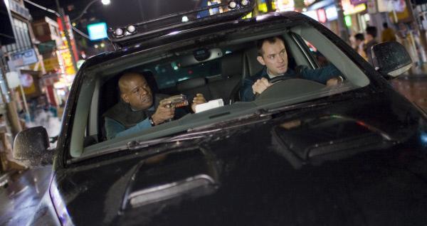 Bild 1 von 5: Jake (Forest Whitaker,l.) und Remy (Jude Law).