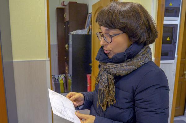 Bild 1 von 2: Jede Woche erhält Wera Gontscharowa Dutzende Briefe von Häftlingen aus den brutalsten Gefängnissen Russlands. Die Häftlinge teilen ihr in den Nachrichten ihr Leid mit und hoffen auf Hilfe.