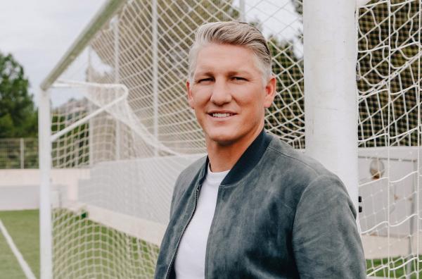 Bild 1 von 3: Bastian Schweinsteiger - ARD-Experte während der Euro 2021