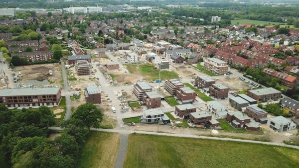 Bild 1 von 4: In Deutschland werden jeden Tag 56 Hektar an Flächen für Neubauten verbraucht. Das Ziel der Bundesregierung, bis 2020 nur noch halb so viele Flächen zu verbrauchen, ist gescheitert.