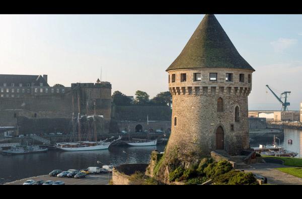 Bild 1 von 2: Der aus dem Mittelalter erhaltene Tour Tanguy beherbergt heute ein Museum mit Ausstellungsstücken zur Geschichte der Stadt.