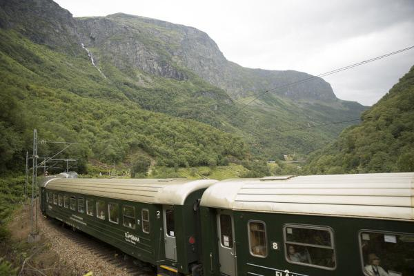 Bild 1 von 3: Die Flåmbahn in Norwegen.