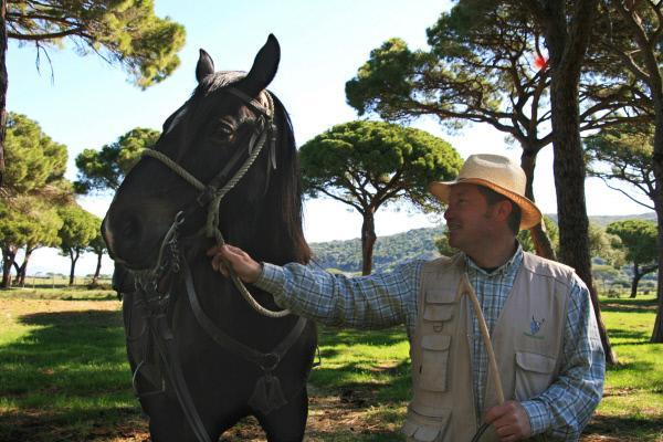 Bild 1 von 5: Stefano Pavin ist Buttero, wie die Rinderhirten der Maremma genannt werden.Die Region ãMaremmaÒ liegt in der Toskana, am Tyrrhenischen Meer - sie ist der Wilde Westen von Italien.
