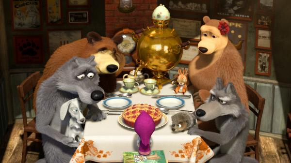 Bild 1 von 2: Mascha hat den Schluckauf. Verzweifelt versucht der Bär alles, um ihr zu helfen, das Gehickse wieder loszuwerden.
