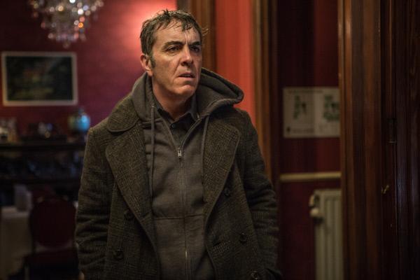 Bild 1 von 5: Tony Hughes (James Nesbitt) hat kein Geld für sein Hotelzimmer.