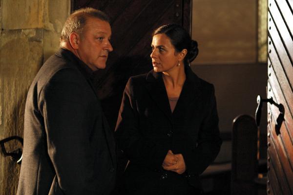 Bild 1 von 12: Mareike Moorwessel (Naomi Krauss) wendet sich in Ihrer Verzweiflung an den Münsteraner Detektiv Georg Wilsberg (Leonard Lansink). Ob er ihr helfen kann?