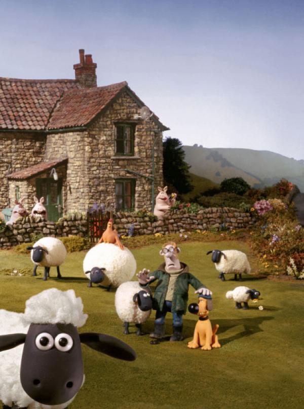 Bild 1 von 3: Der Bauer ist ein Eigenbrödler und lebt mit Schafen und anderen Tieren auf seinem Hof. Sein Hund Bitzer sorgt für Ordnung und passt auf. Mit zur tierischen Bande gehört Schaf Shaun (vorn, li.).