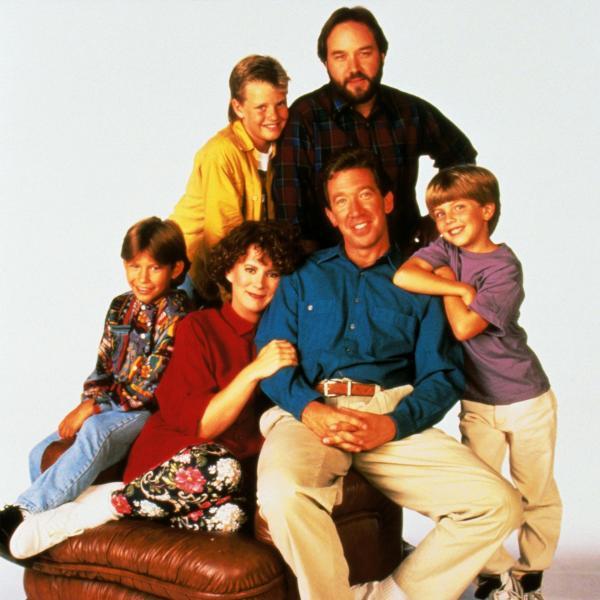 Bild 1 von 6: In den Hauptrollen: u.v.li.: Randy (Jonathan Taylor Thomas), Jill (Patricia Richardson), Tim (Tim Allen), Mark (Taran Smith), v.o.li.: Brad (Zachery Ty Bryan), Al (Richard Karn)