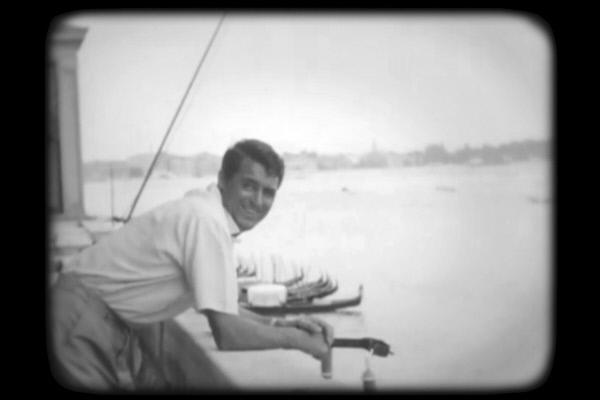 Bild 1 von 4: Cary Grant galt für viele als Männervorbild. Der Gentleman und Charmeur war fünf Mal verheiratet und Gerüchten nach auch mit Männern liiert.