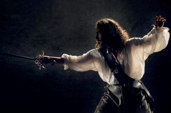 Bild 1 von 4: Es erweist sich, dass Alexandre Dumas' glanzvoller, immer zu Späßen aufgelegter Mantel-und-Degen-Held vor allem der Fantasie des Autors entsprungen ist.