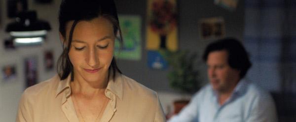Bild 1 von 4: In der Beziehung von Nora (Johanna Wokalek) und Philip (Hans-Jochen Wagner) kriselt es.