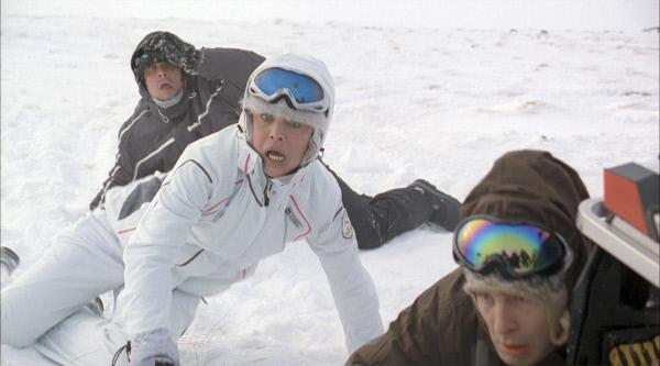Bild 1 von 4: Milliard?r Mills schickt eine Gruppe von Abenteurern (David Chokachi, Yancy Butler) in die Arktis, weil seine vorherige Forschergruppe dort verschollen ist. Schnell stellen die M?nner und Frauen fest, dass blutr?nstige Yetis die Menschen jagen.