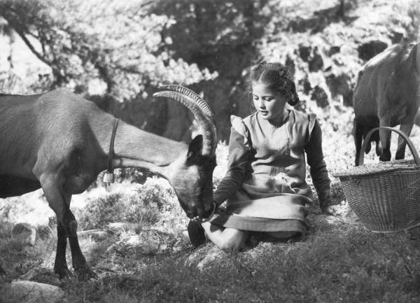 Bild 1 von 5: Elsbeth Sigmund als Heidi