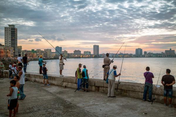 Bild 1 von 4: Die berühmteste Strandpromenade Kubas - der Malecón in Havanna