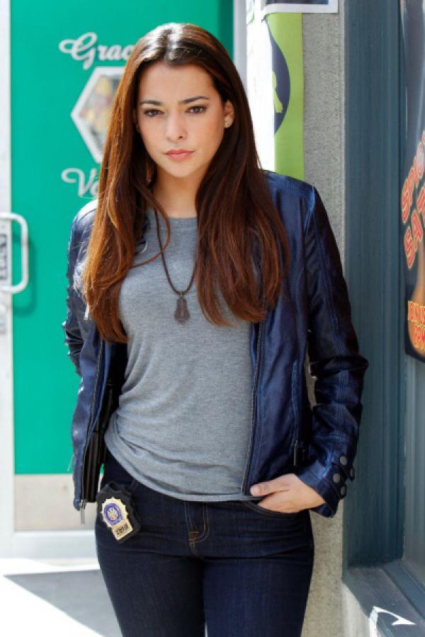 Bild 1 von 4: Neu bei der 9. Staffel: Seit dieser Folge d�rfen die New Yorker Detectives ein neues Mitglied in ihrem Team willkommen hei�en: Natalie Martinez, alias 'Jamie Lovato'.
